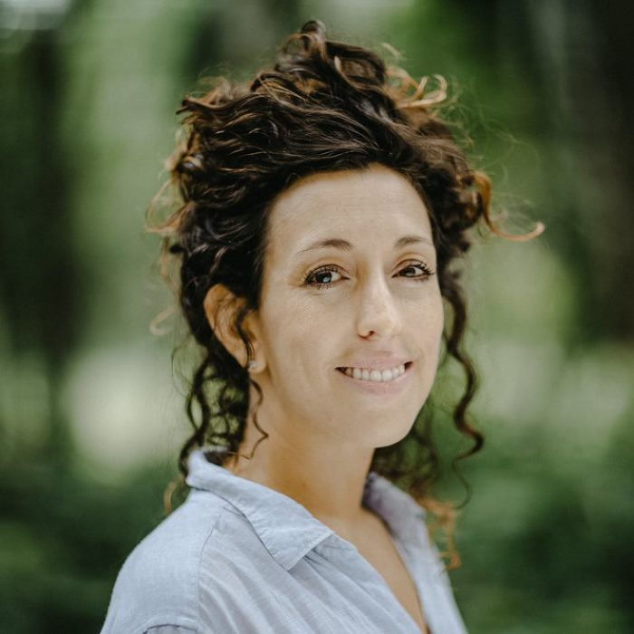 PODCAST #17 · ELIZA BABARCZY · SUSTAINABLE, GUATEMALAN WOOD & THE JUNGLE SCHOOL