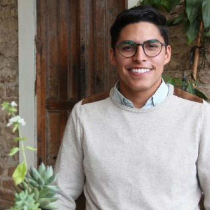 PODCAST  #20  · AARÓN BENDFELDT  ·  MINIMALIST, UPCYCLED GLASSWARE & CHANGING LIVES IN GUATEMALA