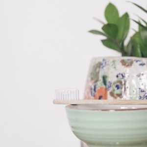 Zero Waste Toothpaste Options To Sink Your Teeth Into #zerowaste #toothpaste #sustainablebeaut