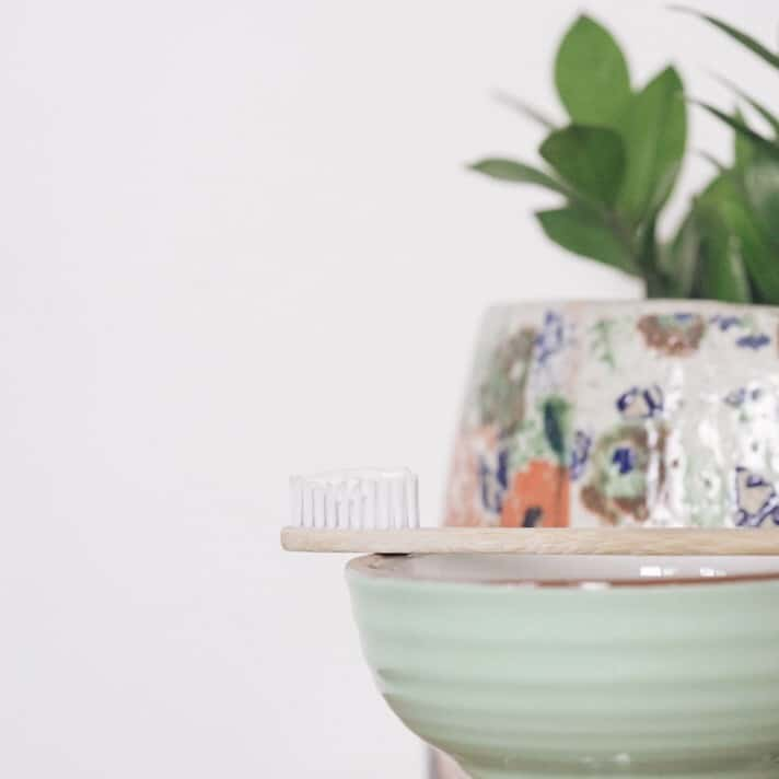 Zero Waste Toothpaste Options To Sink Your Teeth Into #zerowaste #toothpaste #sustainablebeaut