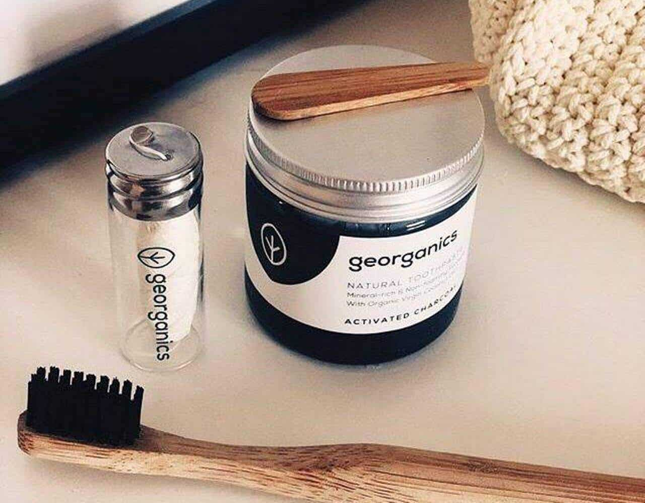 Zero Waste Floss - Sustainable Dental Floss To Help You Fight Plaque and Plastic Image by Georganics #zerowastefloss #zerowasteteeth
