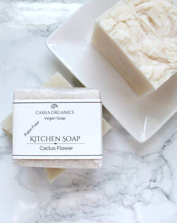 8 Zero Waste Dish Soap Options To Keep Both Your Plates & The Planet Clean Image by Cassia Organics #zerowaste #sustainableliving