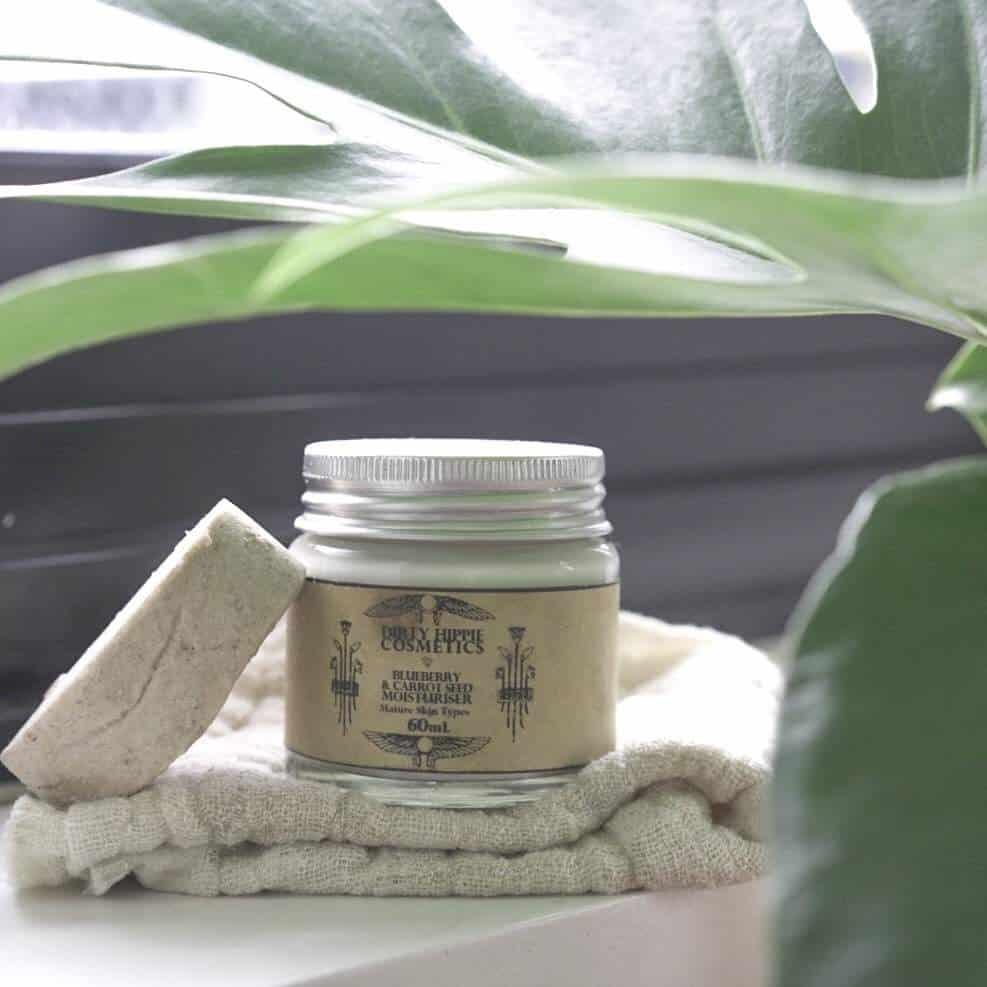 Zero Waste Skin Care: 13 Best Brands Against Plastic #zerowaste #skincare