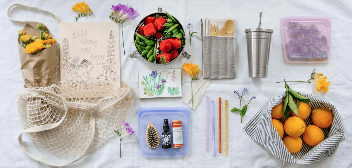 Best Zero Waste & Bulk Online Stores For All Your Package Free Shopping Needs Image by The Wild Minimalist #zerowaste #onlinestores