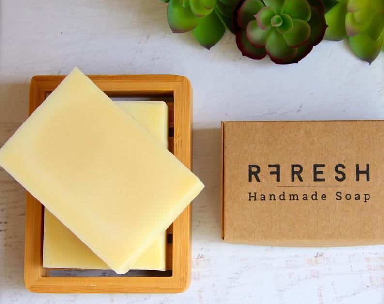 Zero Waste Dish Soap Options To Keep Both Your Plates & The Planet Clean Image by RFRESH #zerowastedishsoap #zerowastesoap #zerowastedishcleaning #sustainableliving