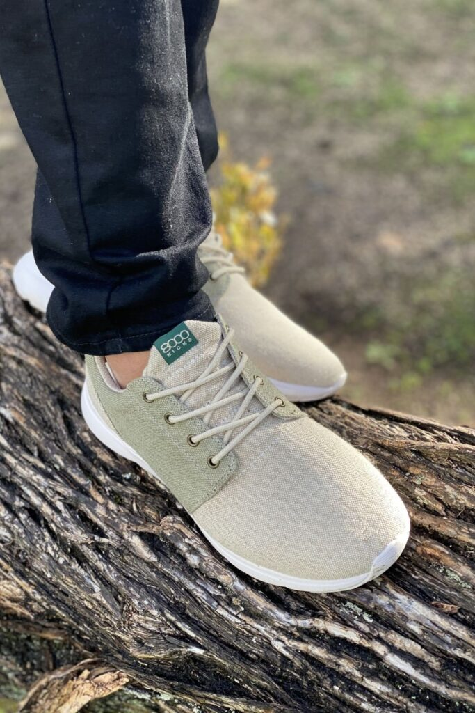 Let's put some sustainability in your step… and move toward eco friendly and ethical sneakers. Image by 8000 Kicks #ethicalsneakers #ecofriendlysneakers #sustainablejungle