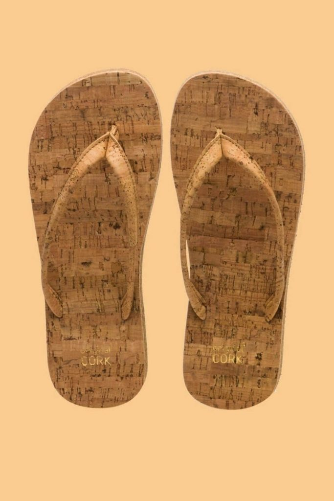 Here, we're talking flip flops folks and any of these vegan, eco friendly and recycled flip flops we've listed here will do the trick if you need to buy new... Image by Original Cork #ecofriendlyflipflops #recycledflipflops #sustainablejungle