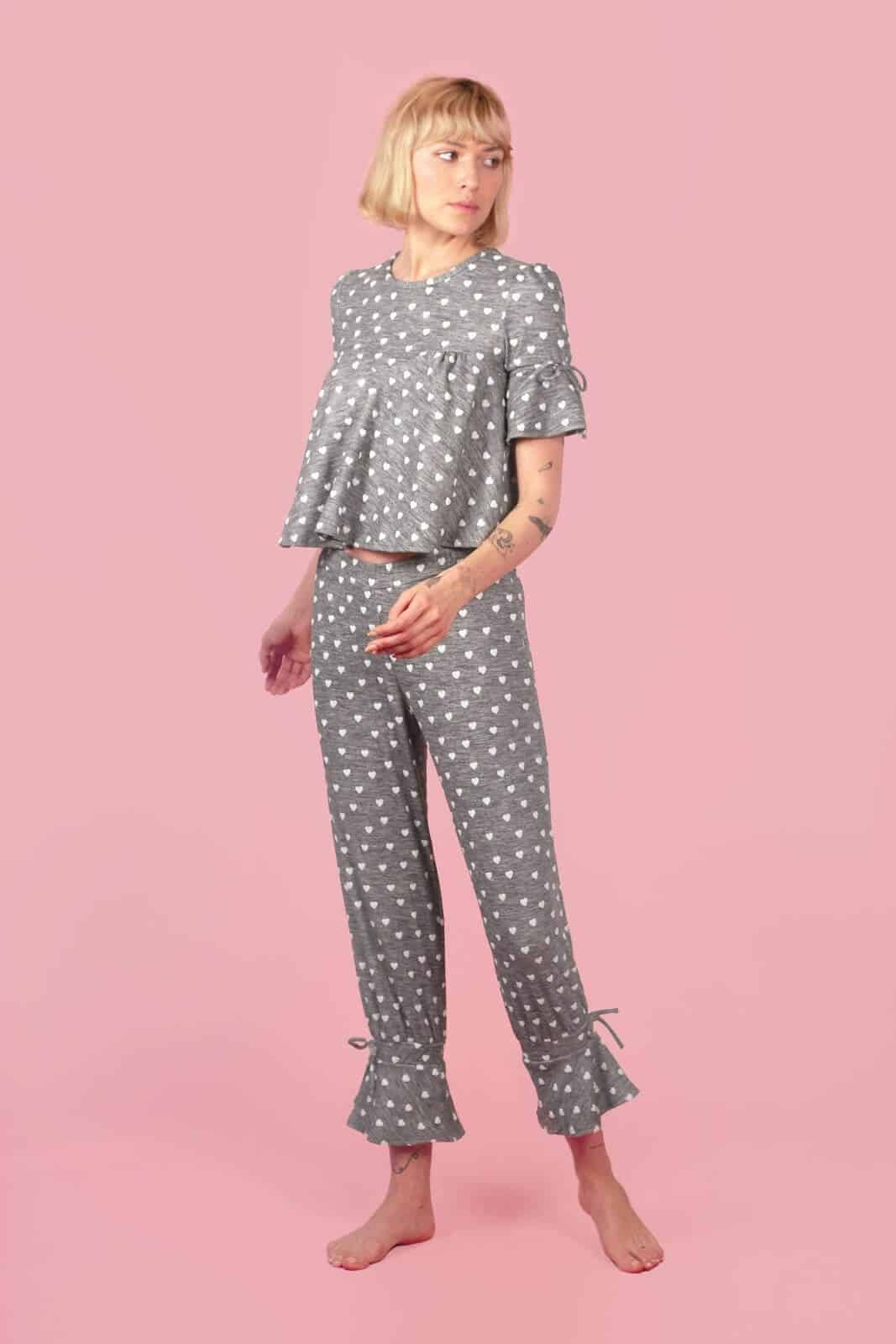 While some of you may prefer to sleep in your sustainable skivvies and others in some luxe lingerie, sometimes you just need a good old fashioned pair of lounge PJs Image by Evewear #fairtradepajamas #sustainablesleepwear