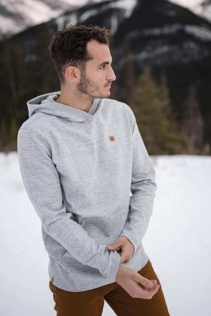 After spending lots of time researching what makes fashion sustainable, we now present this masterlist of the best sustainable clothing brands... Image by Tentree #sustainableclothing #ethicalfashion