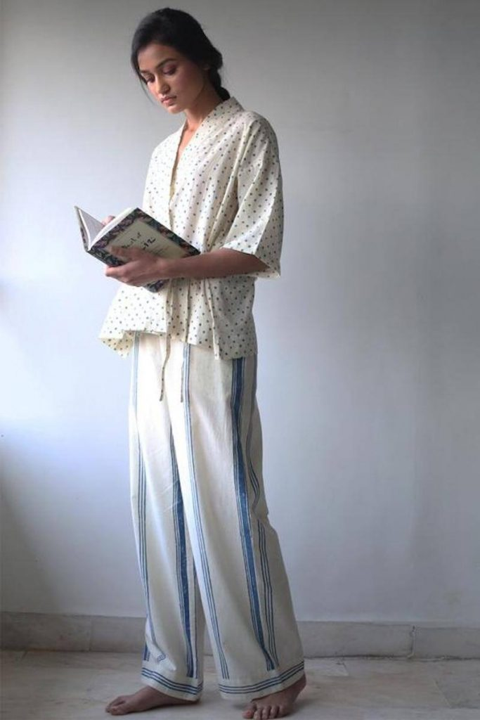 While some of you may prefer to sleep in your sustainable skivvies and others in some luxe lingerie, sometimes you just need a good old fashioned pair of lounge PJs Image by The Summer House #fairtradepajamas #sustainablesleepwear
