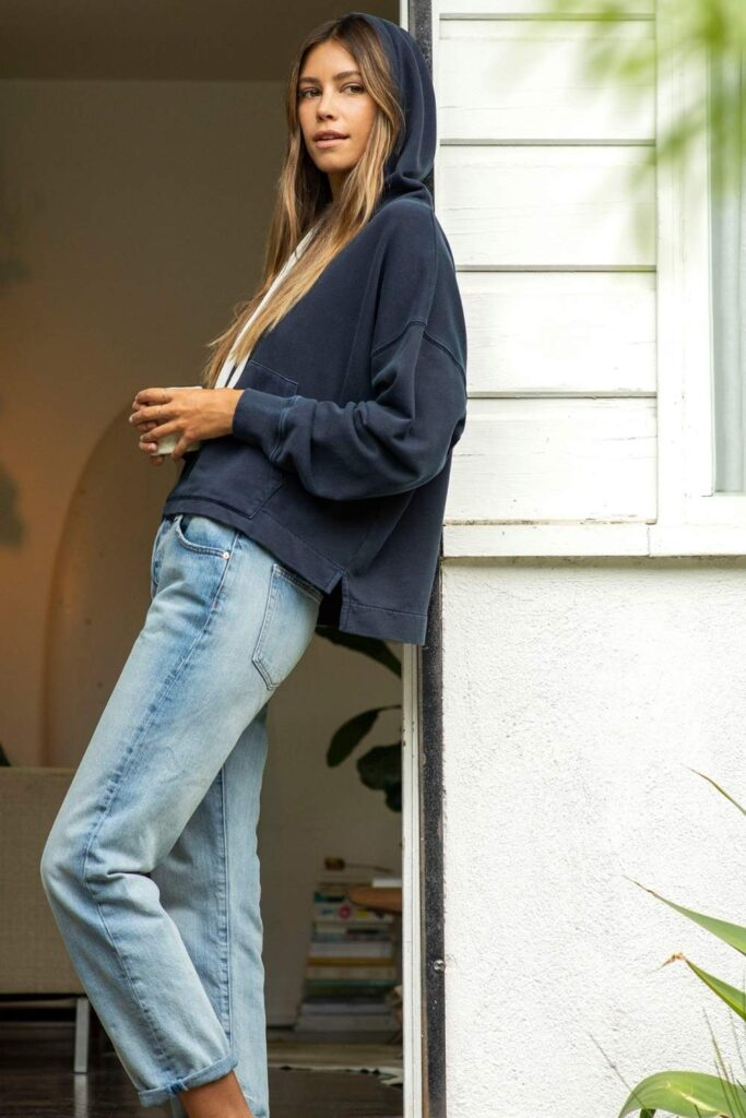 After spending lots of time researching what makes fashion sustainable, we now present this masterlist of the best sustainable clothing brands... Image by Outerknown #sustainableclothing #ethicalfashion