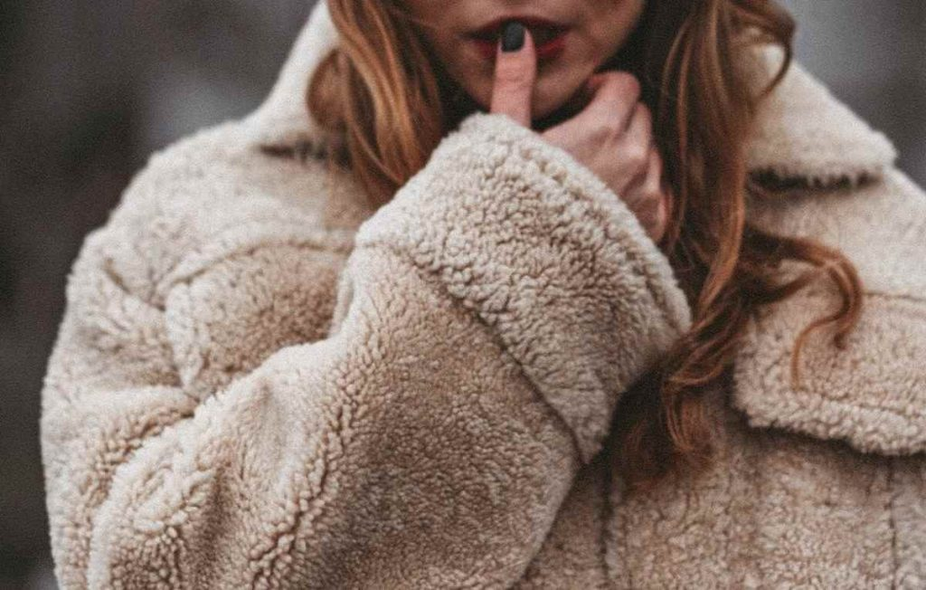 In some areas of the world, we're starting to cozy up for winter which may have us wondering about one thing — what is fleece? Photo by Eugene Chystiakov on Unsplash #sustainablefashion #whatisfleece