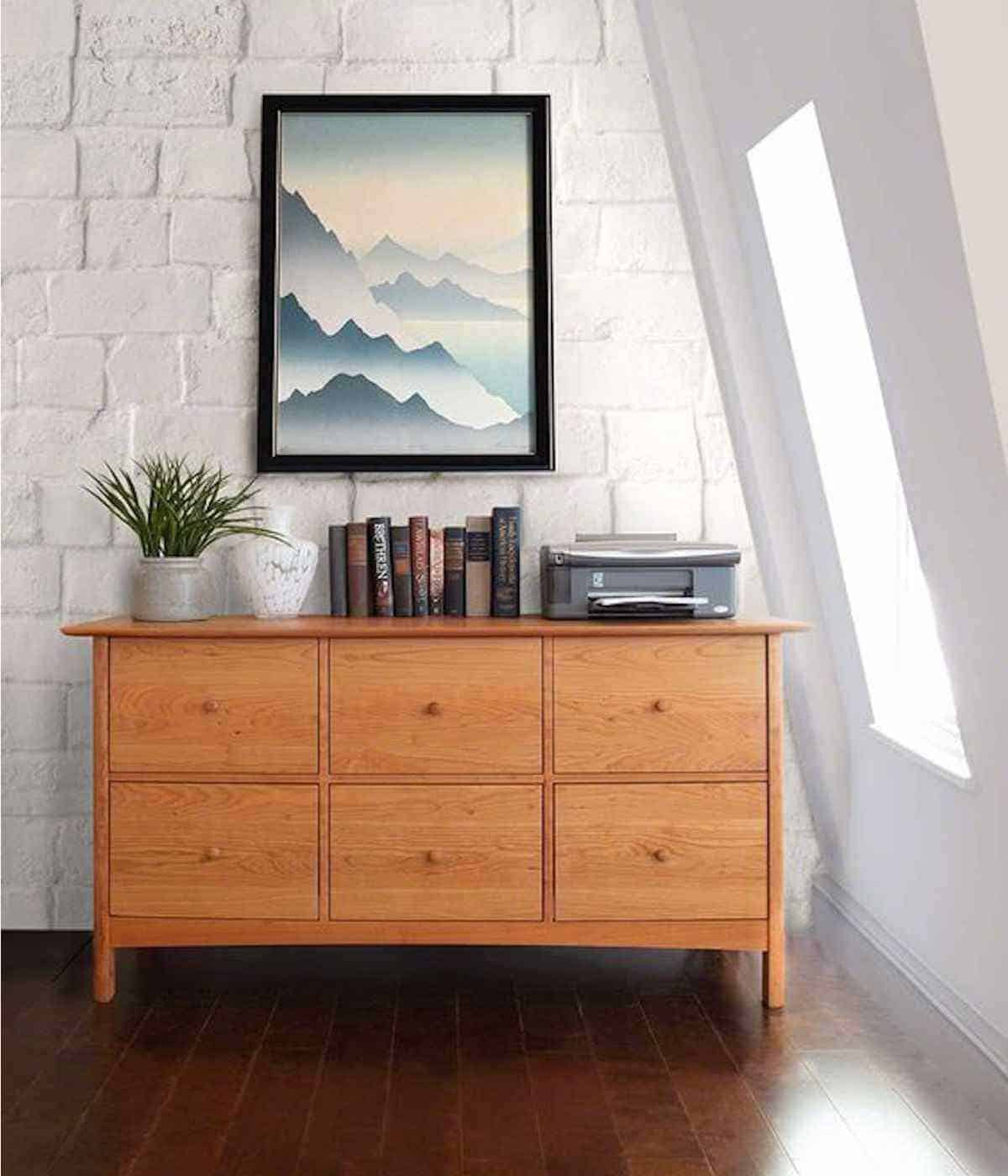 Shopping for Sustainable Furniture? Here's our list of the most eco friendly brands creating artisan show-pieces for any home… Image by Vermont Wood Studios #sustainablefurniture #ecofriendlyfurniture