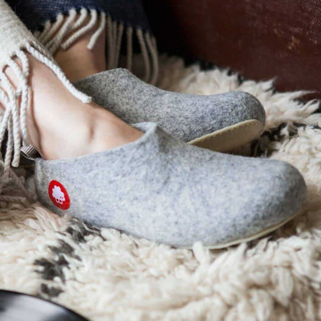 All these sustainable and ethical slippers have us feeling a little cozier about the world of ethical footwear... Image by Baabuk #sustainablefashion #ethicalslippers