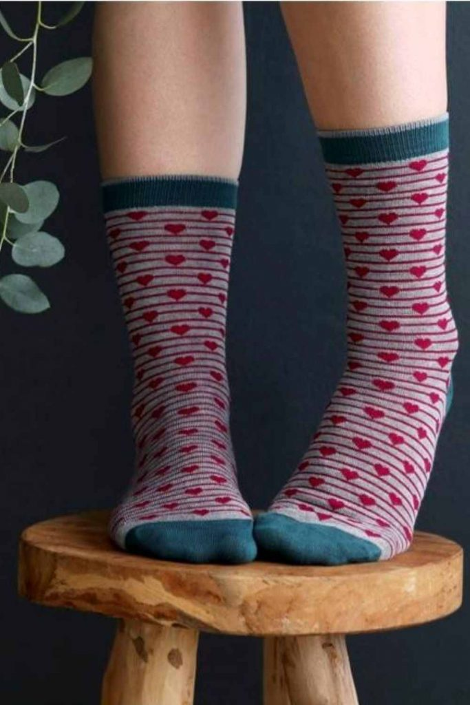Leave Only Footprints with Sustainable and Eco Friendly Socks #ecofriendlysocks #sustainablesocks #sustainablejungle