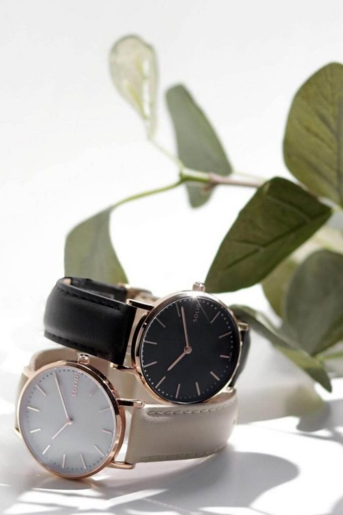 How can we keep track of time without stealing it from the planet? By choosing sustainable and ethical watches to keep you on eco-time... Image by Solios #ecofriendlywatches #sustainablewatches #sustainablejungle