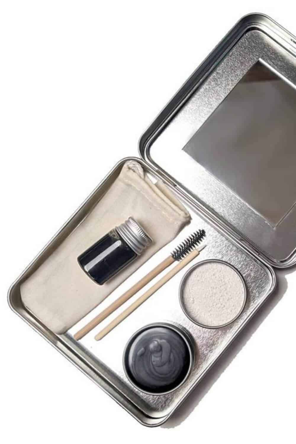 Finding zero waste makeup alternatives is no easy feat, because traditional containers are difficult (at best) to recycle, being often comprised of composite materials and components Image by Clean Faced Cosmetics #zerowastemakeup