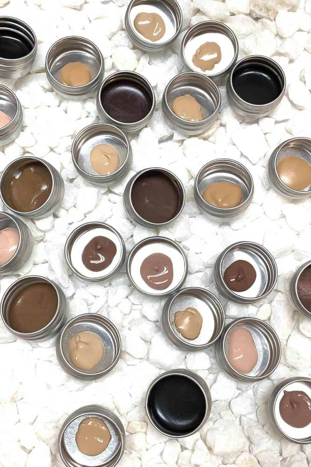 We've covered lots of great zero waste beauty products that are better for you AND the environment. Now we're narrowing it down to the best of the best. Image by DAB Herb Makeup #zerowastebeauty #sustainablebeauty