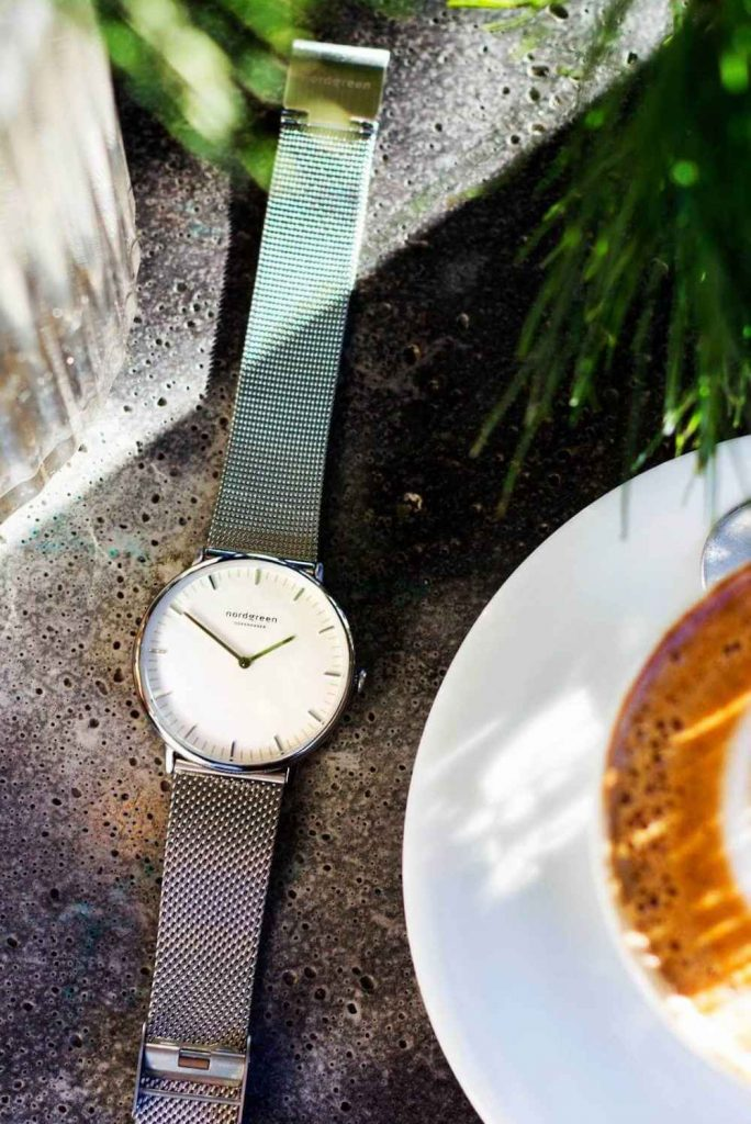 How can we keep track of time without stealing it from the planet? By choosing sustainable and ethical watches to keep you on eco-time... Image by Nordgreen #ecofriendlywatches #sustainablewatches #sustainablejungle