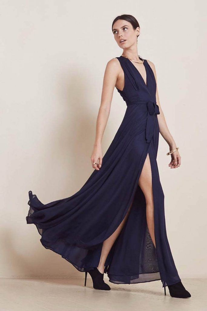 """Say goodbye to having """"nothing to wear"""". With clothing and dress rental online, you get the excitement of new clothes, while staying a minimalist consumer. Image by Style Lend #fashionrental #sustainablefashion"""