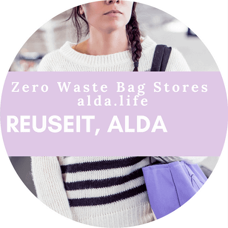 If you're not ready to leap into a full-fledged zero waste life, no worries! We've rounded up 5 simple lifestyle changes to help you minimize your waste footprint Image by Alda Life #zerowasteswaps #sustainablejungle