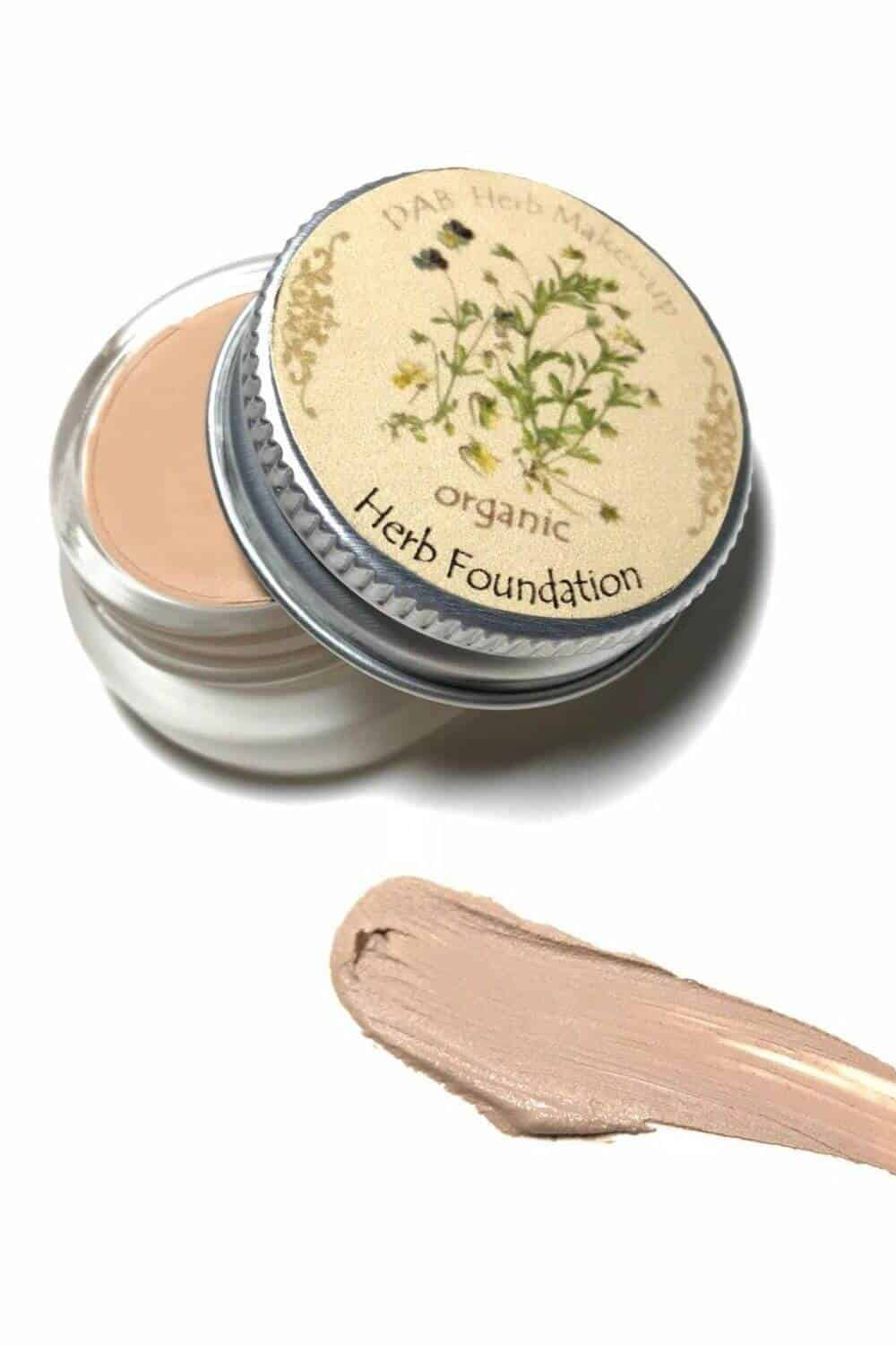 On the look out for sustainable and eco friendly makeup? Thankfully, there are quite a few ethical makeup brands out there to choose from. And many are available and based in the UK and US! Image by DAB Herb Makeup #ecofriendlymakeup #sustainablejungle
