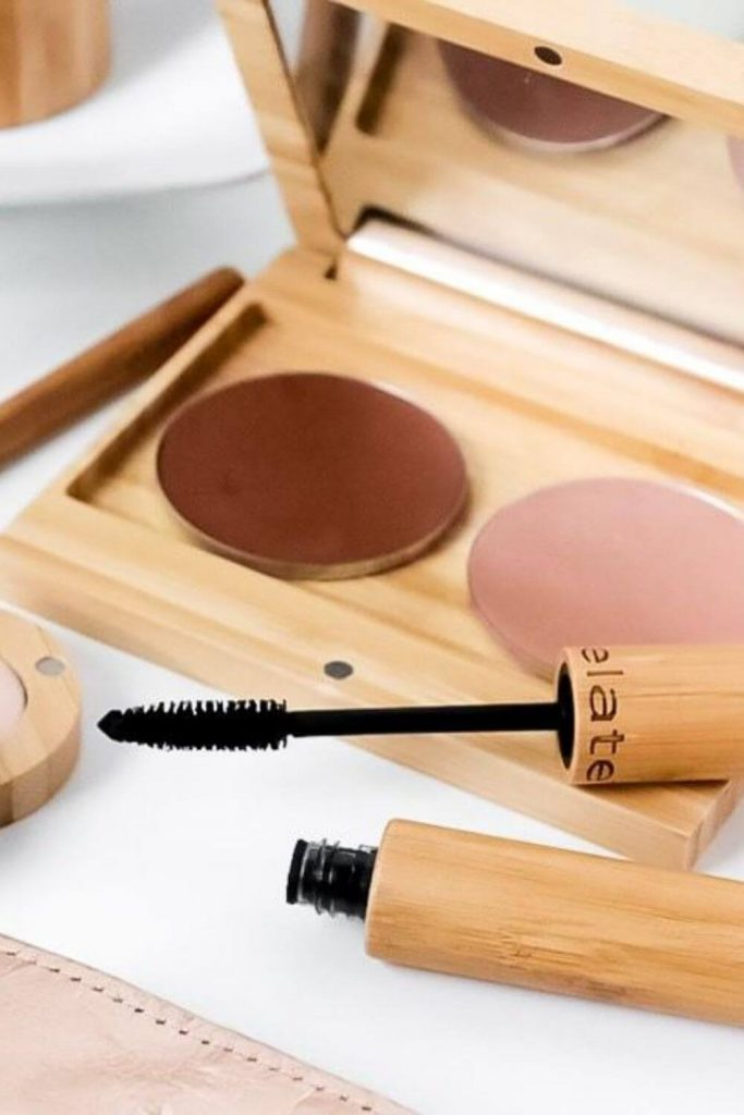 On the look out for sustainable and eco friendly makeup? Thankfully, there are quite a few ethical makeup brands out there to choose from. And many are available and based in the UK and US! Image by Elate Cosmetics #ecofriendlymakeup #sustainablejungle