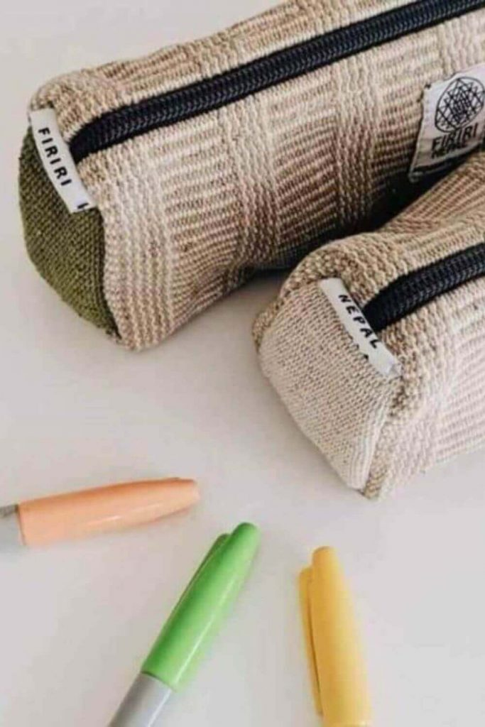 For items you end up having to buy new, this list of eco-friendly & zero waste school supplies (including sustainable stationery) will hopefully help. Image by Firiri #zerowasteschoolsupplies #ecofriendlyschoolsupplies #sustainablejungle