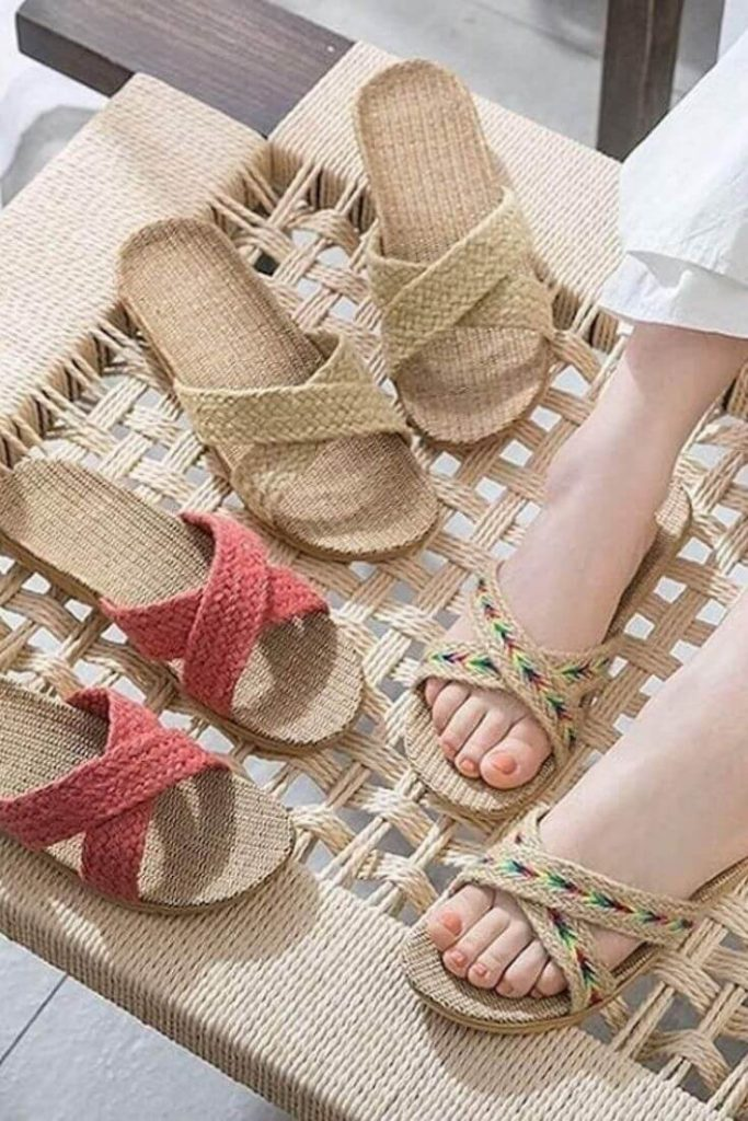 In the spirit of walking towards a greener future, we've been hunting for ethical and eco friendly sandals Image by Handmade Love #ecofriendlysandals #ethicalfashion