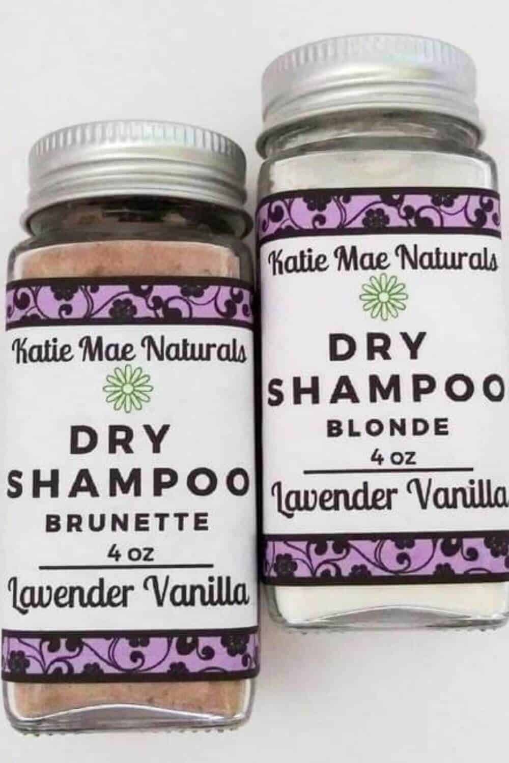 Switching to vegan and cruelty-free shampoo, conditioner, and other hair products is great but isn't enough from an environmental perspective. Thankfully, there are now many zero waste shampoo and conditioners available. Image by Katie Mae Naturals #zerowasteshampoo #zerowasteconditioner #sustainablejungle