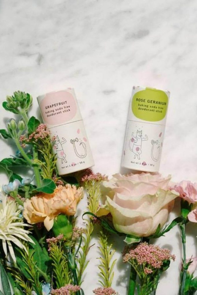 The ethical personal care market has exploded with options in the last few years which is great. The problem though, is trying to find eco friendly deodorants that are effective. So, we've made a list of our favorites that are fit for purpose! Image by Meow Meow Tweet #ecofriendlydeodorant #sustainablejungle