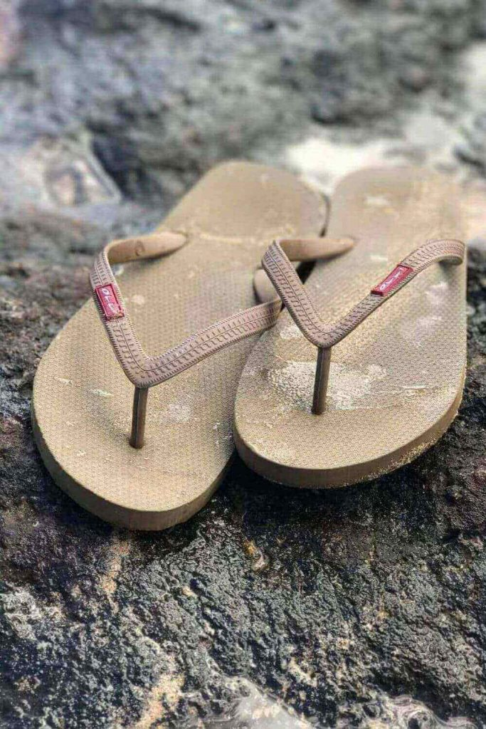Here, we're talking flip flops folks and any of these vegan, eco friendly and recycled flip flops we've listed here will do the trick if you need to buy new... Image by Olli #ecofriendlyflipflops #recycledflipflops #sustainablejungle