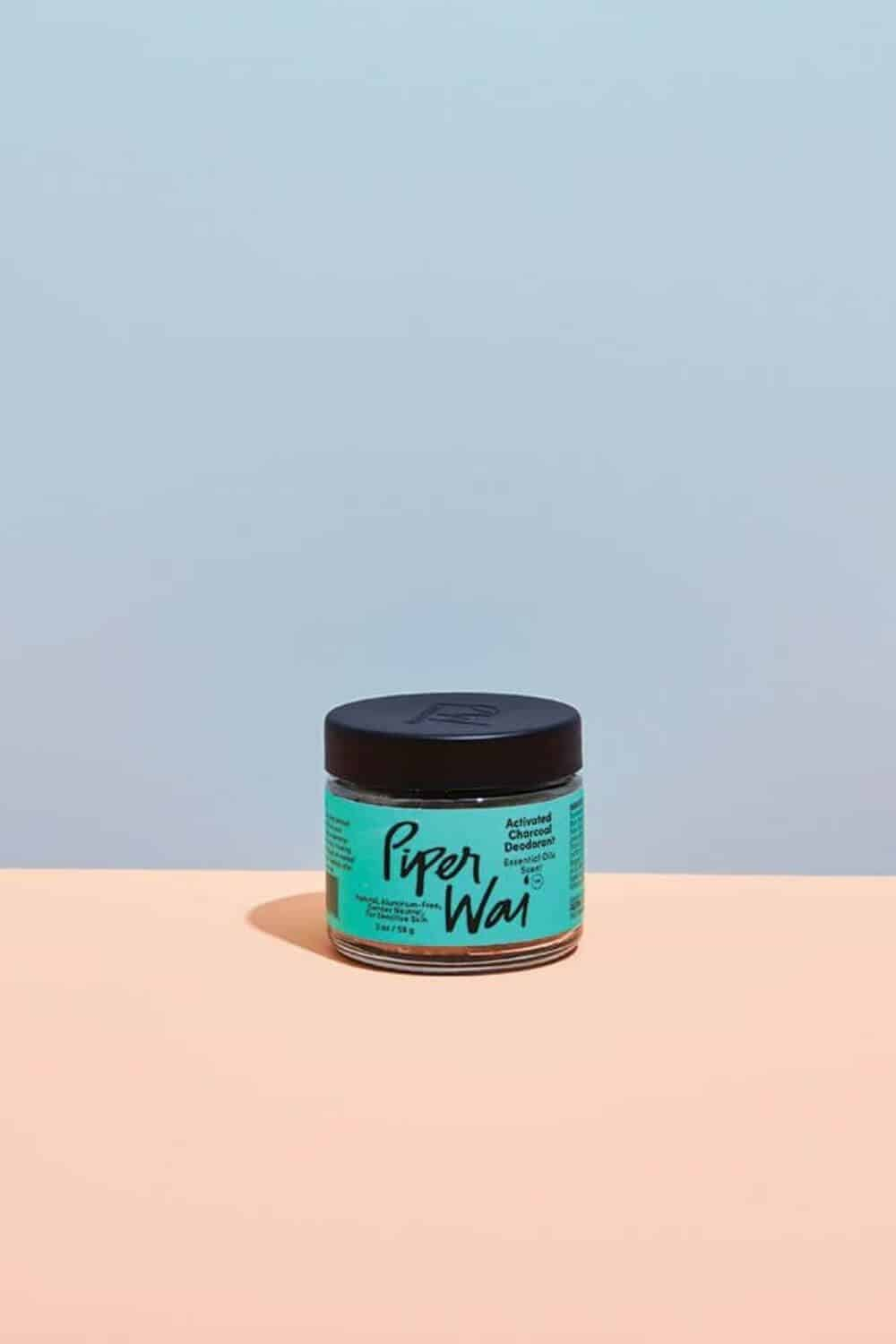 We're meant to sweat. So finding the best natural and environmentally friendly deodorant, one that really works and is actually natural is pretty important! Here's our list... Image by Piper Wai #environmentallfriendlydeodorant #sustainablejungle