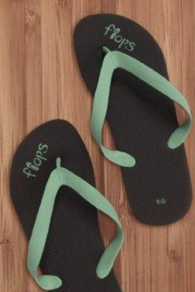 Here, we're talking flip flops folks and any of these vegan, eco friendly and recycled flip flops we've listed here will do the trick if you need to buy new... Image by Planet Flops #ecofriendlyflipflops #recycledflipflops #sustainablejungle