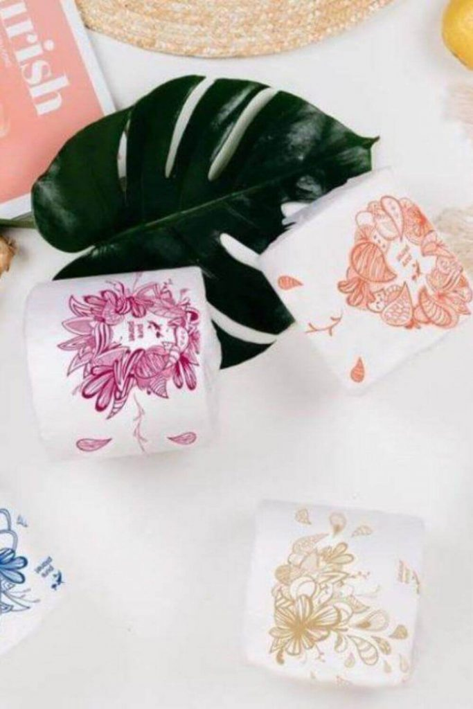 We're going to get down and dirty and talk about sustainable butts and zero waste toilet paper. Believe it or not, there are more options than you might think! Image by Pure Planet Club #zerowastetoiletpaper #ecofriendlytoiletpaper #sustainablejungle