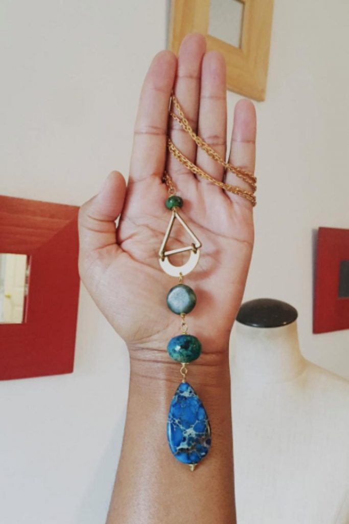 Black Owned Etsy Art And Jewelry Shops for Ethical Empowerment Image by Studio La Touche #blackownedetsyshops #blackownedetsyartshops #blackownedetsyjewelryshops #sustainablejungle