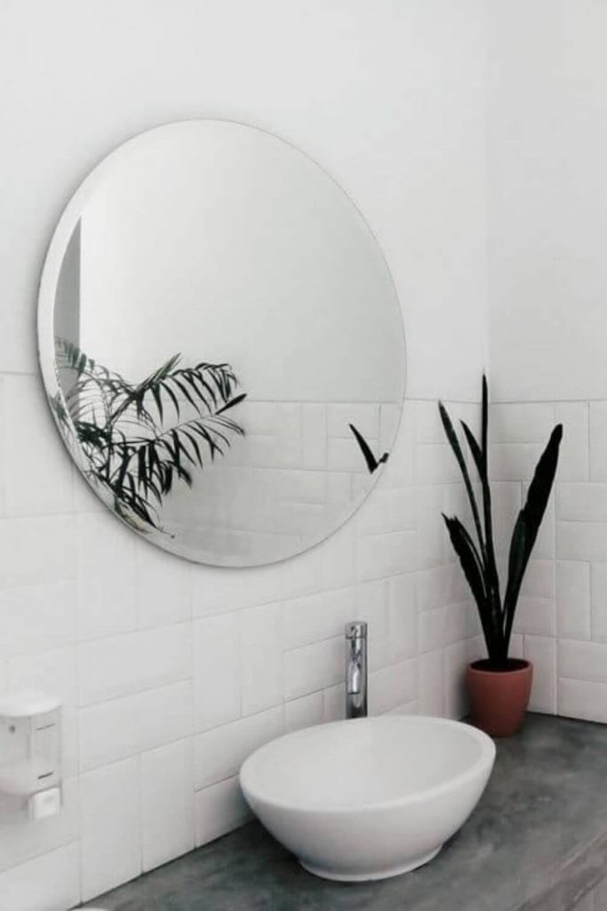 Just like the zero waste journey itself, there is no perfect zero waste bathroom out there. Here's our list of ideas... Photo by intan Indiastuti on Unsplash #zerowastebathroom #sustainablejungle