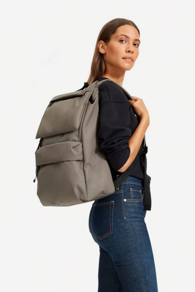 Eco friendly and sustainable backpacks can help us pack up our everyday essentials and leave our eco woes at home Image by Everlane #sustainablebackpacks #ecofriendlybackpacks #sustainablejungle