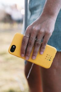 After dropping my trusty iphone 6 (sans cover), I took a dive into the world of phone cases and found the most eco friendly phone covers for those butter fingers Image by Eco Owl #ecofriendlyphonecases #sustainablephonecases #sustainablejungle