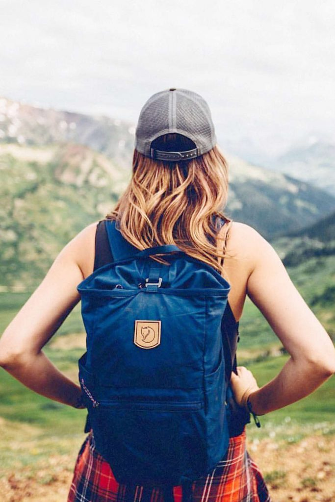 Eco friendly and sustainable backpacks can help us pack up our everyday essentials and leave our eco woes at home Image by Fjällräven #sustainablebackpacks #ecofriendlybackpacks #sustainablejungle