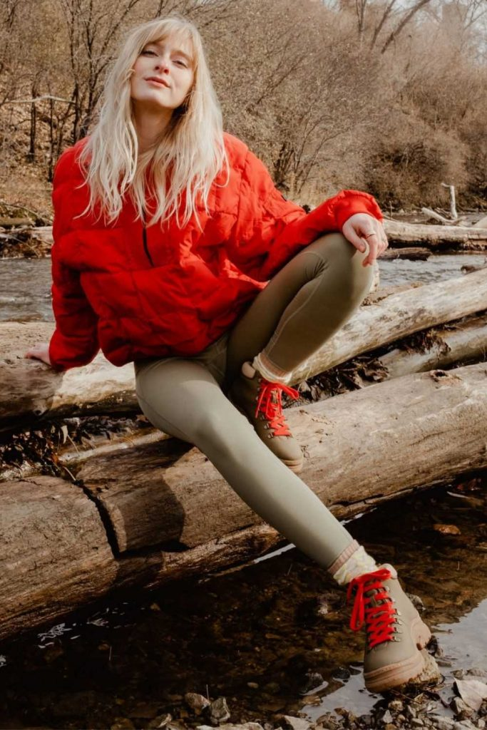 With winter approaching (depending on the hemisphere or the GoT season you're watching), there's no better time to start considering our (literal) environmental footprint and making eco friendly and ethical boots a winter wardrobe priority. Image by Alice + Whittles  #ethicalboots #ecofriendlyboots #sustainablejungle