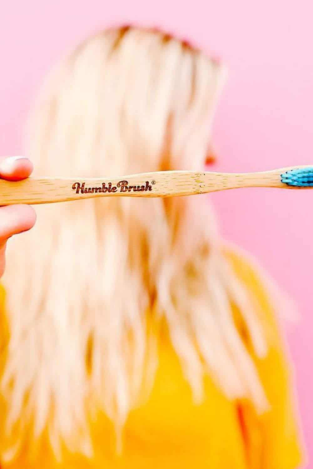 We're taking a bite out of plastic dental care and diving into zero waste toothbrushes, or rather lower waste toothbrushes, as you'll see shortly. Image by Humble Brush #zerowastetoothbrush #zerowastetoothbrushes #sustainablejungle
