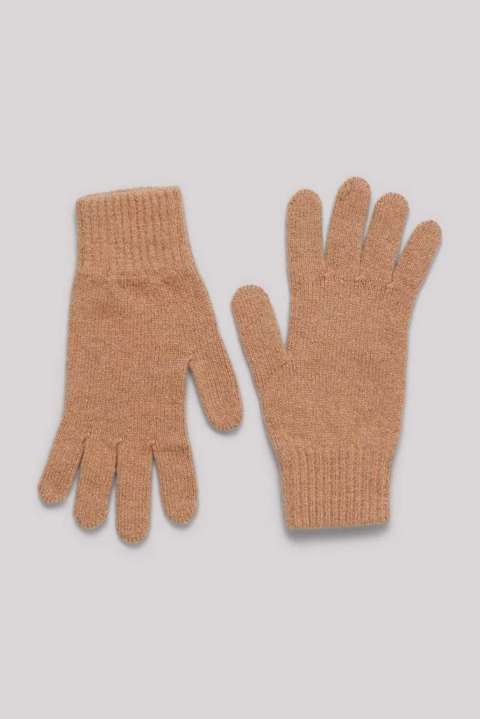 Ironically, climate change could lead to another ice age, so unsustainable glove choices today may be self-defeating tomorrow, so opt for ethical winter gloves instead. Image by  Organic Basics #sustainablewintergloves #ethicalwintergloves #sustainablejungle