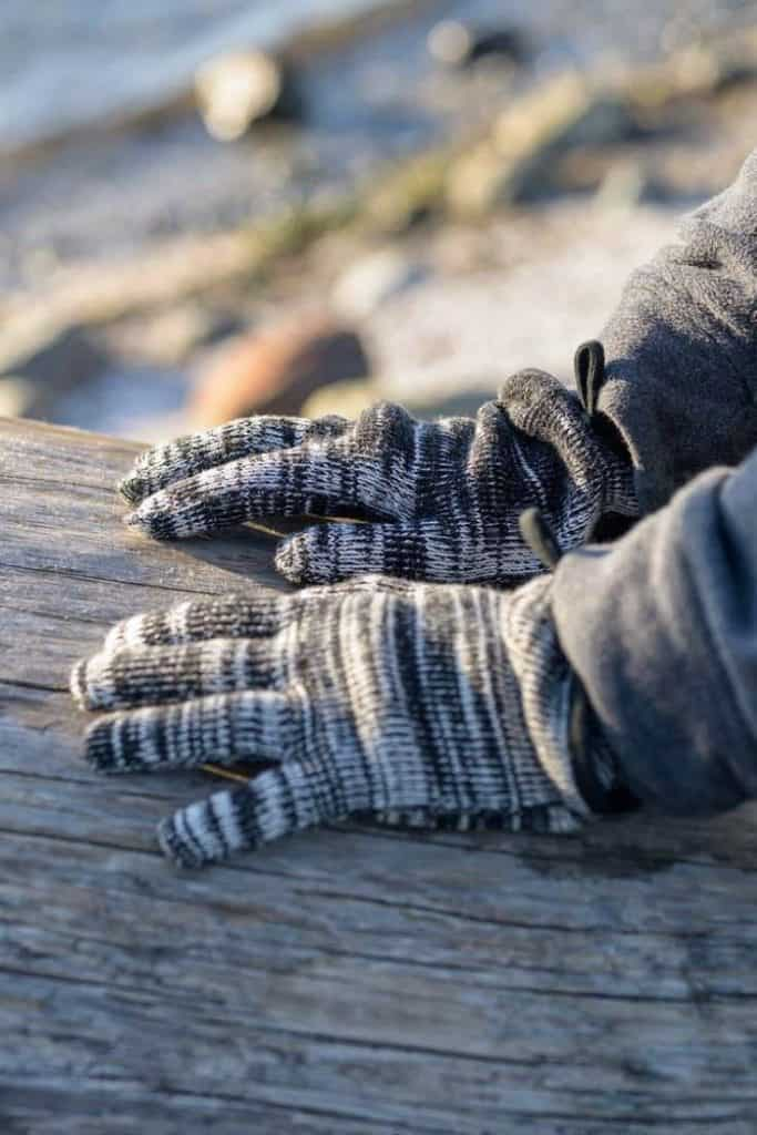 Ironically, climate change could lead to another ice age, so unsustainable glove choices today may be self-defeating tomorrow, so opt for ethical winter gloves instead. Image by Rawganique #sustainablewintergloves #ethicalwintergloves #sustainablejungle