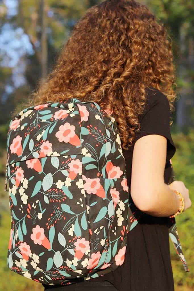 Eco friendly and sustainable backpacks can help us pack up our everyday essentials while leaving all our eco woes at home.   Image by Terra Thread #sustainablebackpacks #ecofriendlybackpacks #sustainablejungle