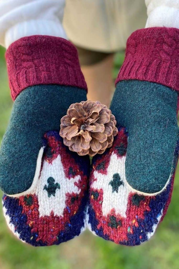Ironically, climate change could lead to another ice age, so unsustainable glove choices today may be self-defeating tomorrow, so opt for ethical winter gloves instead. Image by  The Artful Mitten #sustainablewintergloves #ethicalwintergloves #sustainablejungle