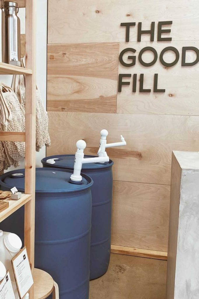 Thanks to a new wave of bulk stores online, we can order our favorite food, cleaning, beauty and body care products in a way that's better for our planet and better for our pockets…right from the comfort of our home. Image by The Good Fill #bulkstoresonline #onlinebulkstores #bulkonlinestores #sustainablejungle