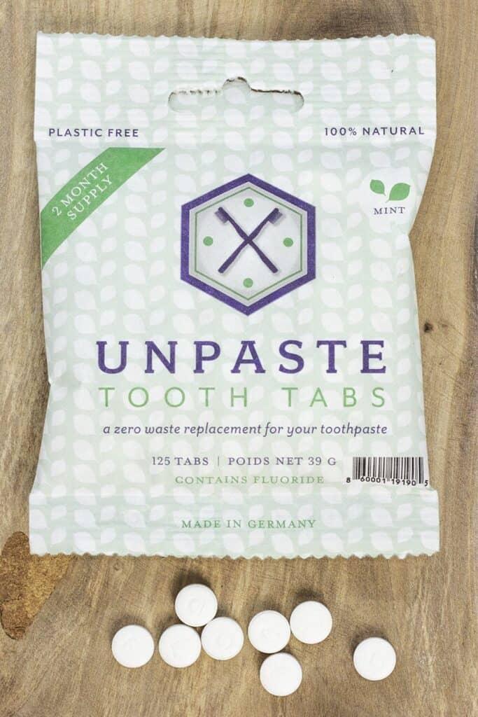 The whole idea of zero waste makes us smile, so we thought we'd take a moment to talk zero waste toothpaste Image by Unpaste #zerowastetoothpaste #sustainablejungle
