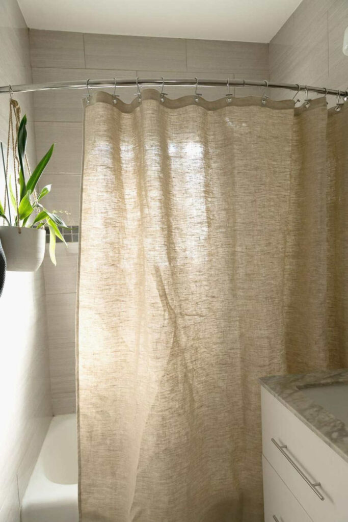 To make our hygiene habits a little healthier, we went on a hunt for the best eco friendly shower curtains. Here's what sustainable showering looks like by the brands doing it best. Image by Bean Products Inc #ecofriendlyshowercurtains #sustainableshowercurtains #sustainablejungle