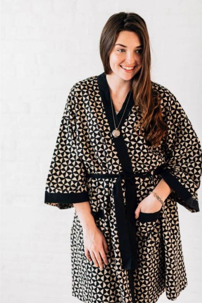 We're cozying up to some of our favorite sustainable and eco friendly robes. Available in all shapes and sizes, they're the perfect way to dress after a hot bath or a cool off in the ocean Image by Ten Thousand Villages #ecofriendlyrobes #sustainablejungle